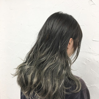 ストリート グレージュ グラデーションカラー 外国人風 ヘアスタイルや髪型の写真・画像