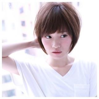 小顔 大人かわいい ショート ナチュラル ヘアスタイルや髪型の写真・画像