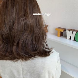 ヌーディーベージュ ナチュラル ナチュラルベージュ ヘアアレンジ ヘアスタイルや髪型の写真・画像