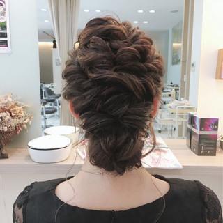 ねじり 編み込み 大人かわいい 結婚式 ヘアスタイルや髪型の写真・画像