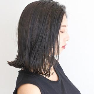 グレージュ 大人かわいい ミディアム 外ハネ ヘアスタイルや髪型の写真・画像