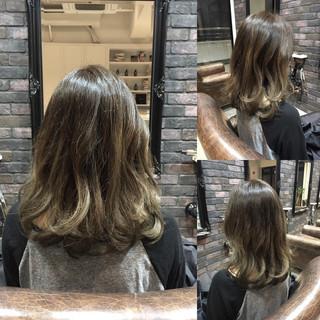 外国人風 アッシュグレージュ アッシュ ストリート ヘアスタイルや髪型の写真・画像