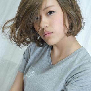 アッシュ 色気 パーマ ボブ ヘアスタイルや髪型の写真・画像