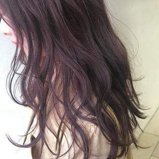 ラベンダーピンク ピンクアッシュ オフィス ヘアアレンジ ヘアスタイルや髪型の写真・画像
