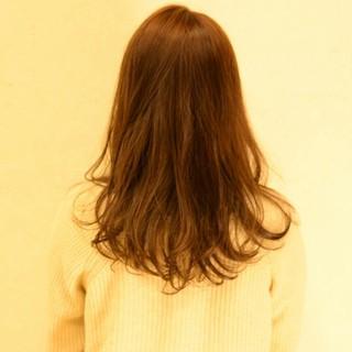 アッシュ ナチュラル 大人かわいい ロング ヘアスタイルや髪型の写真・画像