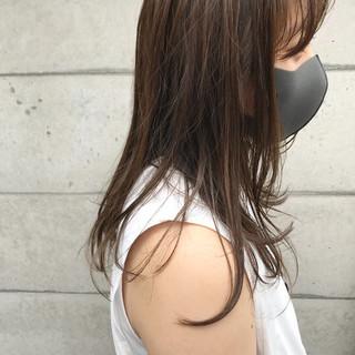セミロング 抜け感 オリーブベージュ 透け感ヘア ヘアスタイルや髪型の写真・画像
