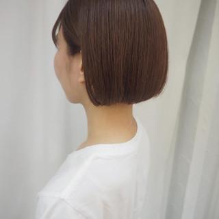 まとまるボブ 切りっぱなしボブ 透明感カラー ミニボブ ヘアスタイルや髪型の写真・画像