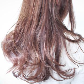 ロング モーブ ナチュラル アッシュ ヘアスタイルや髪型の写真・画像