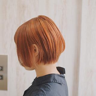 アプリコットオレンジ フェミニン ミルクティーベージュ ショートボブ ヘアスタイルや髪型の写真・画像