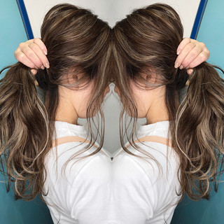 外国人風カラー グラデーションカラー ナチュラル ハイライト ヘアスタイルや髪型の写真・画像