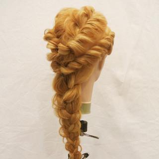 編み込み ヘアアレンジ ねじり 夏 ヘアスタイルや髪型の写真・画像