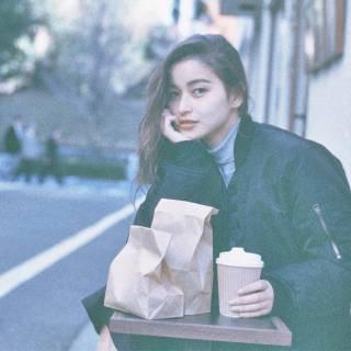 暗髪 ストリート ウェットヘア ウェーブ ヘアスタイルや髪型の写真・画像
