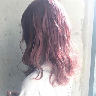 ハイトーン ベリーピンク 外国人風カラー ロング ヘアスタイルや髪型の写真・画像