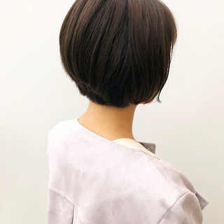 アッシュグレージュ カーキアッシュ ショートボブ アッシュ ヘアスタイルや髪型の写真・画像
