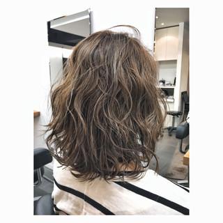 ミディアム ガーリー カール 大人女子 ヘアスタイルや髪型の写真・画像
