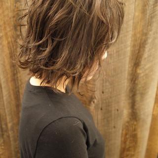 フェミニン ミディアムレイヤー ミディアム ワンカールパーマ ヘアスタイルや髪型の写真・画像