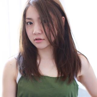 イルミナカラー フェミニン ゆるふわ グレージュ ヘアスタイルや髪型の写真・画像
