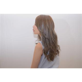 アッシュ ロング 外国人風 アッシュグレージュ ヘアスタイルや髪型の写真・画像