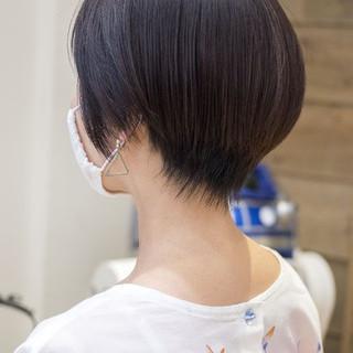 ショートヘア ハンサムショート 前下がりショート マッシュショート ヘアスタイルや髪型の写真・画像
