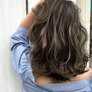 透明感 外国人風 ハイトーン ストリート ヘアスタイルや髪型の写真・画像