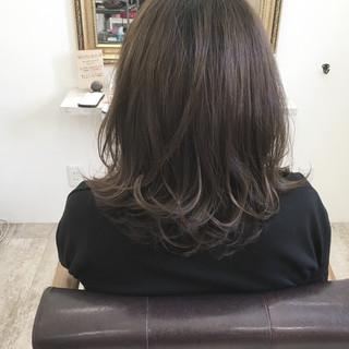 ウェーブ リラックス アンニュイ ハイライト ヘアスタイルや髪型の写真・画像