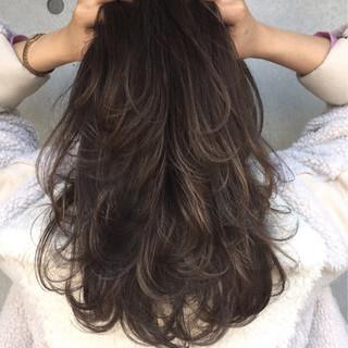 暗髪 セミロング ストリート 外国人風カラー ヘアスタイルや髪型の写真・画像