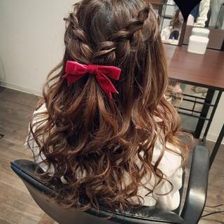 編み込み ヘアアレンジ ガーリー ハーフアップ ヘアスタイルや髪型の写真・画像