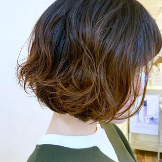 ウェーブ ボブ パーマ ヘアスタイルや髪型の写真・画像