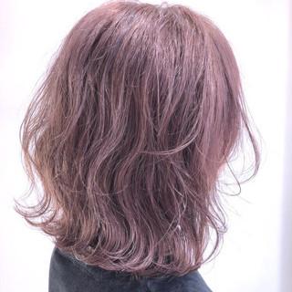 ピンクブラウン フェミニン ピンクベージュ ピンクアッシュ ヘアスタイルや髪型の写真・画像