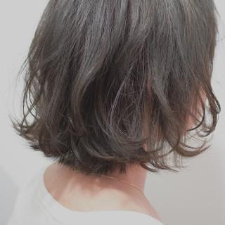 ショートボブ 外ハネ ボブ 切りっぱなしボブ ヘアスタイルや髪型の写真・画像