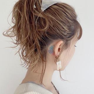 ナチュラル ミディアム セルフヘアアレンジ ヘアアレンジ ヘアスタイルや髪型の写真・画像