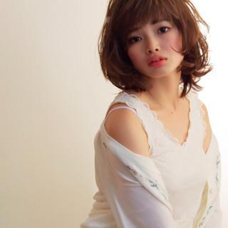 フェミニン デート ミディアム 女子会 ヘアスタイルや髪型の写真・画像