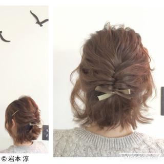 ショート 編み込み 簡単ヘアアレンジ フィッシュボーン ヘアスタイルや髪型の写真・画像