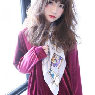 アッシュ ゆるふわ 暗髪 フェミニン ヘアスタイルや髪型の写真・画像