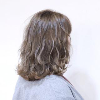 グラデーションカラー フェミニン アッシュ 透明感 ヘアスタイルや髪型の写真・画像