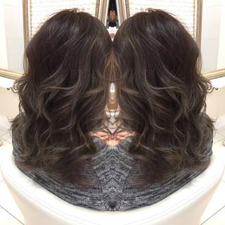 艶髪 セミロング 外国人風 ハイライト ヘアスタイルや髪型の写真・画像