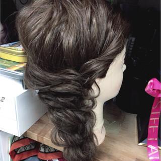 セミロング 編み込み フェミニン ヘアアレンジ ヘアスタイルや髪型の写真・画像