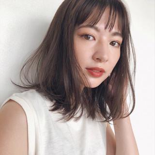ミディアムレイヤー ミディアムヘアー 鎖骨ミディアム ナチュラル ヘアスタイルや髪型の写真・画像