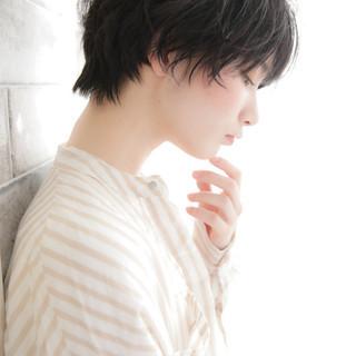 ショート アンニュイほつれヘア パーマ 小顔ショート ヘアスタイルや髪型の写真・画像