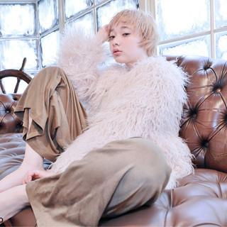 前髪あり フェミニン パーマ ショート ヘアスタイルや髪型の写真・画像