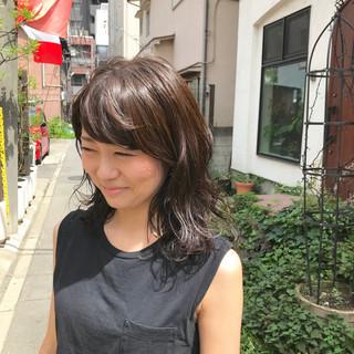 デザインカラー ベリーショート マッシュショート グレージュ ヘアスタイルや髪型の写真・画像