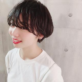ショートボブ ナチュラル 簡単ヘアアレンジ 小顔ショート ヘアスタイルや髪型の写真・画像