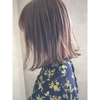 切りっぱなし ミディアム ボブ 透明感 ヘアスタイルや髪型の写真・画像