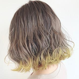 ミルクティーグレージュ 裾カラー ボブ モード ヘアスタイルや髪型の写真・画像