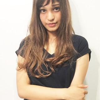 リラックス ウェーブ デート 斜め前髪 ヘアスタイルや髪型の写真・画像