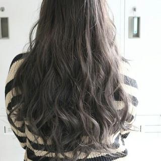 ロング フェミニン 外国人風 暗髪 ヘアスタイルや髪型の写真・画像