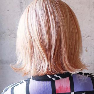 ホワイトブリーチ ミルクティーベージュ シアーベージュ ベージュ ヘアスタイルや髪型の写真・画像