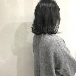 オリーブグレージュ ナチュラル 外ハネ 簡単スタイリング ヘアスタイルや髪型の写真・画像