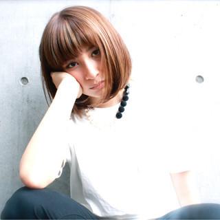 黒髪 ボブ 外国人風 ワイドバング ヘアスタイルや髪型の写真・画像