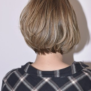 アウトドア ウェーブ アンニュイ ハイライト ヘアスタイルや髪型の写真・画像